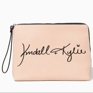 KENDALL AND KYLIE WRISTLET